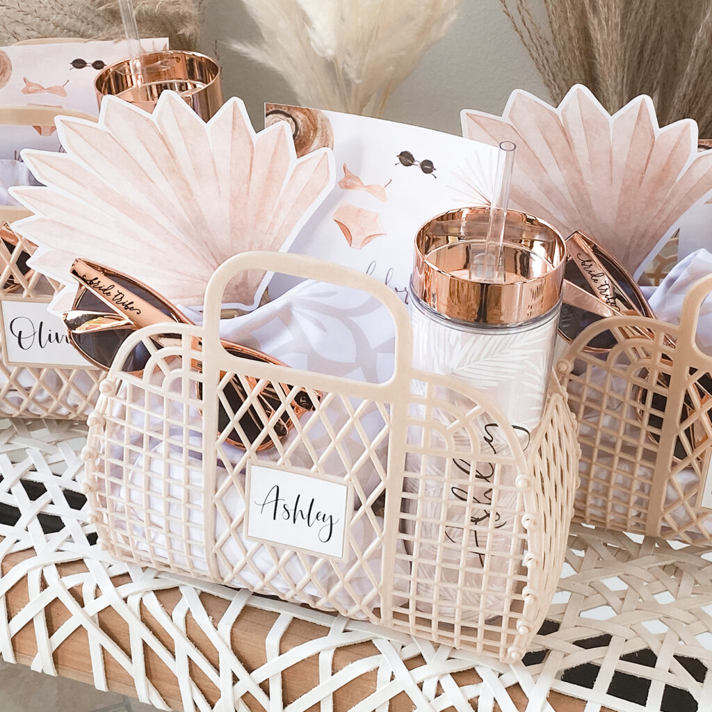 Use gifts for your table setting